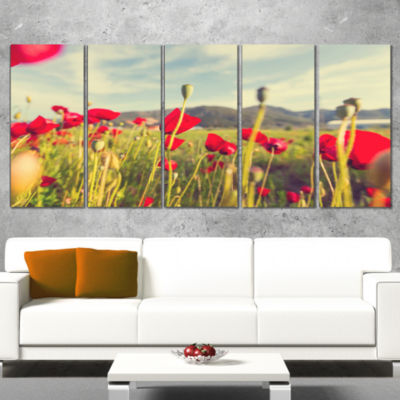 Designart Wild Red Poppy Flowers in Field Large Flower Canvas Art Print - 5 Panels