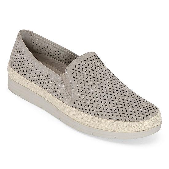 Yuu Womens Lacey Slip-On Shoe Round Toe