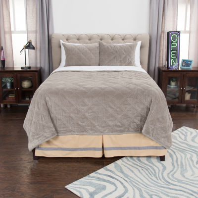Andrew Charles By Rizzy Home Aria Quilt