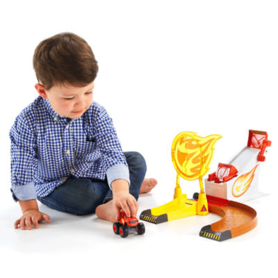 Fisher-Price Nickelodeon Blaze and the Monster Machines Flaming Stunts Blaze