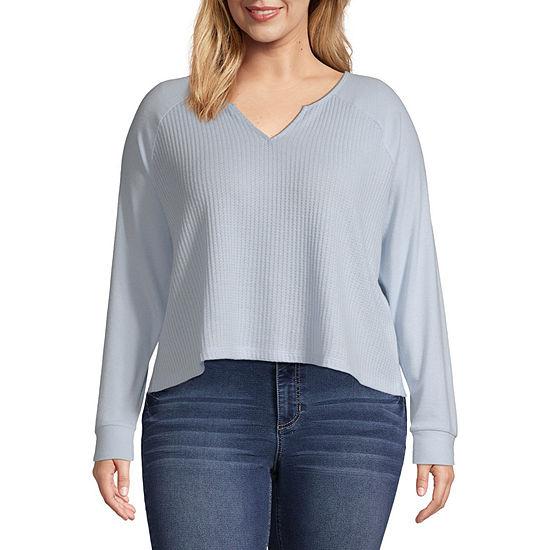 Arizona Juniors Plus Womens Split Crew Neck Long Sleeve Sweatshirt