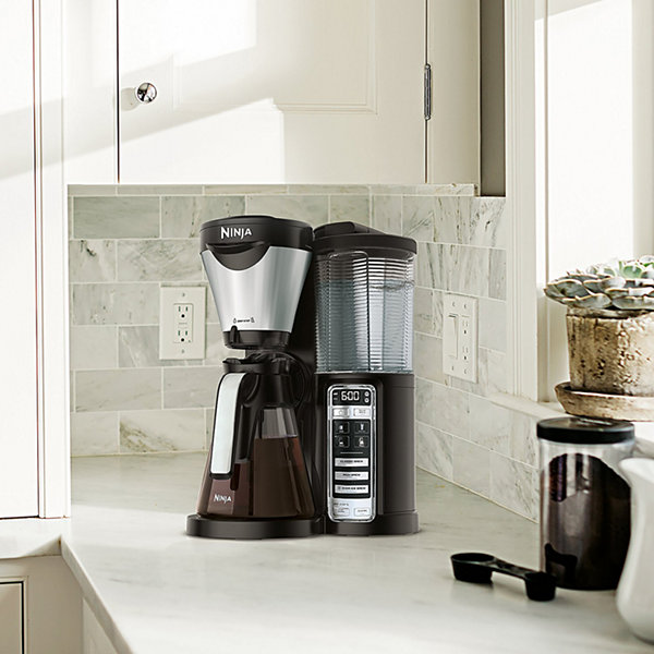 Ninja® Coffee Brewer with Auto-iQ® One-Touch Intelligence and Thermal Flavor Extraction® Technology  CF021