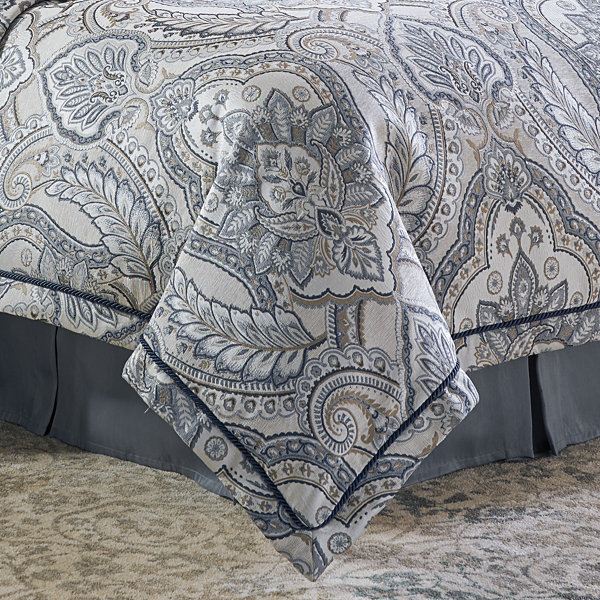 Croscill Classics Seren 4-pc. Damask + Scroll Comforter Set