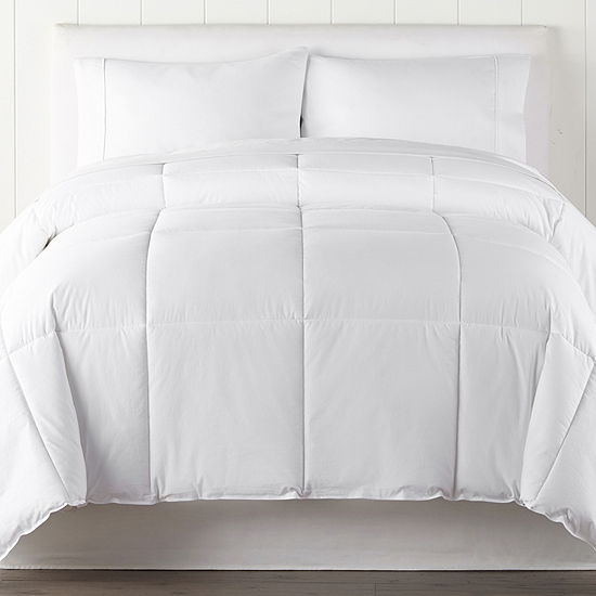 Liz Claiborne Light Warmth Down Alternative Comforter
