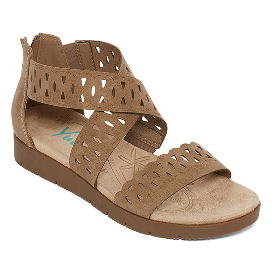 Yuu Womens Indy Strap Sandals Wide Width