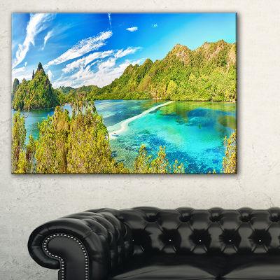 Designart Snake Island Panorama Landscape Photo Canvas Art Print - 3 Panels