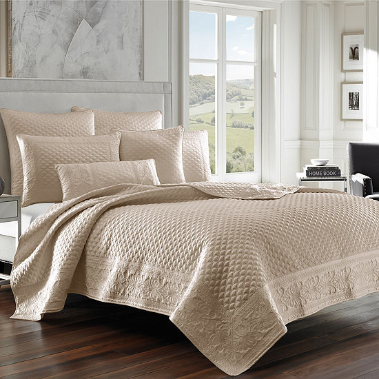Five Queens Court Zarah Coverlet