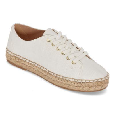 Liz Claiborne Womens Leckie Slip-On Shoe