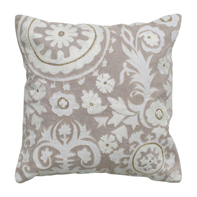 Rizzy Home Tristan Medallion With Floral Decorative Pillow