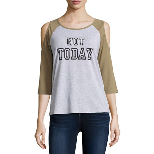 3/4 Sleeve Scoop Neck Graphic T-Shirt