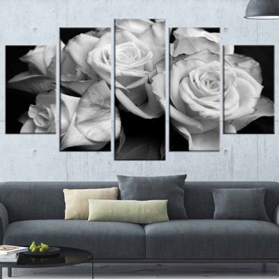 Designart Bunch Of Roses Black And White Floral (373) Canvas Art Print - 5 Panels