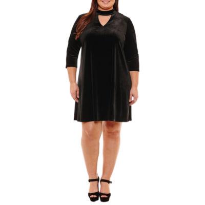 Boutique + 3/4 Sleeve A-Line Velvet Dress-Plus