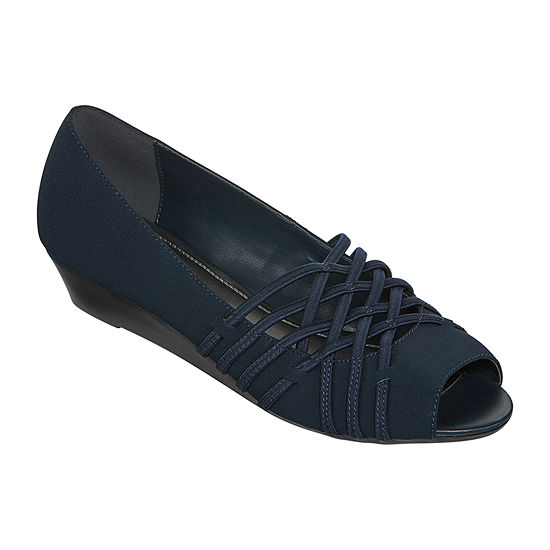 east 5th Womens Grace Peep Toe Slip-On Shoe