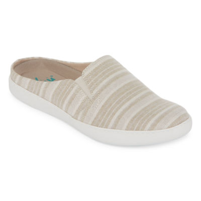 Yuu Doshie Womens Slip-On Shoes Slip-on Closed Toe
