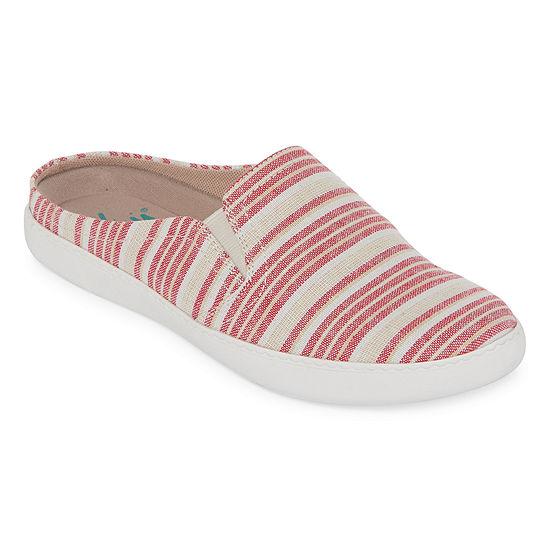 Yuu Womens Doshie Slip-On Shoe Round Toe-Wide Width