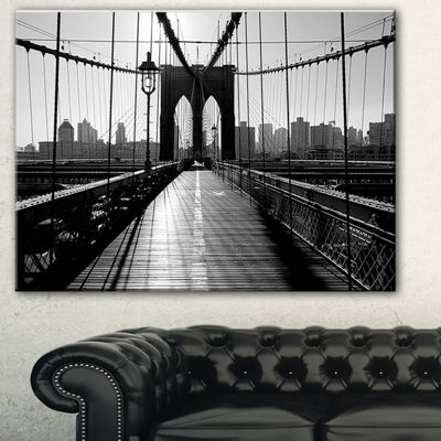 Designart Dark Brooklyn Bridge Cityscape Photo Canvas Print