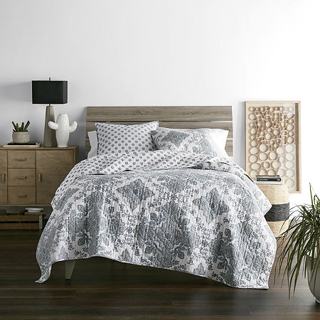JCPenney Home Vine Medallion Reversible Quilt, One Size , White