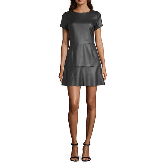 Derek Heart Short Sleeve Skater Dress-Juniors