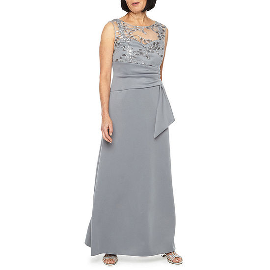 Maya Brooke Sleeveless Evening Gown