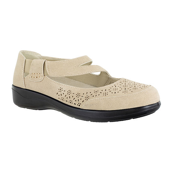 Easy Street Womens Alpha Slip-On Shoe