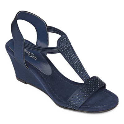 east 5th Womens Gaby Wedge Sandals