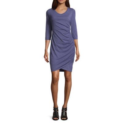 Scarlett 3/4 Sleeve Shift Dress