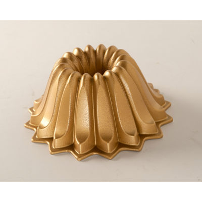 Nordicware Non-Stick Lotus Bundt Pan