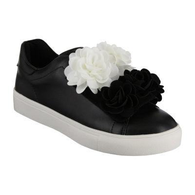 Mia Girl Womens Primrose Closed Toe Slip-On Shoe
