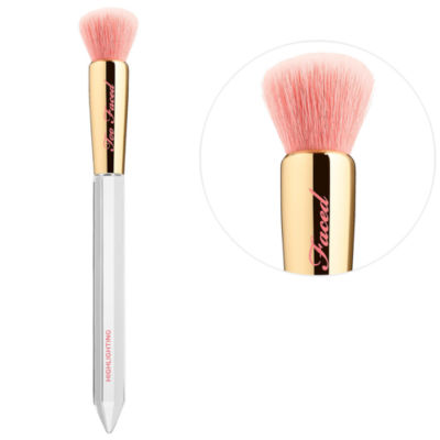 Too Faced Diamond Light Highlighting Brush