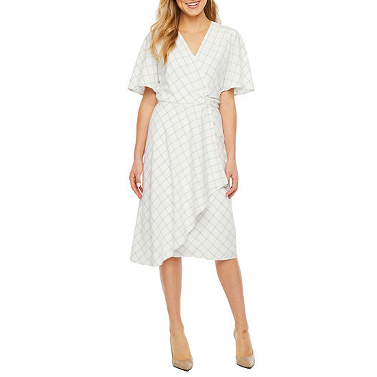 Robbie Bee Short Sleeve Plaid Sheath Dress