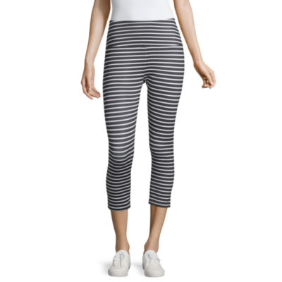 Liz Claiborne Weekend Capri Leggings