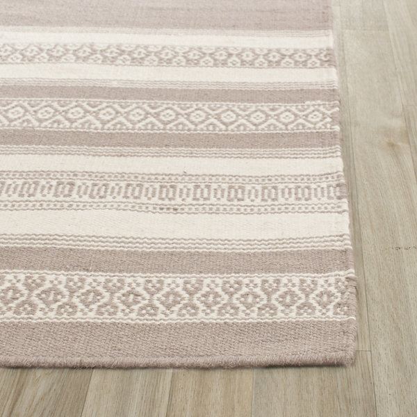 Safavieh Neven Hand Woven Flat Weave Area Rug