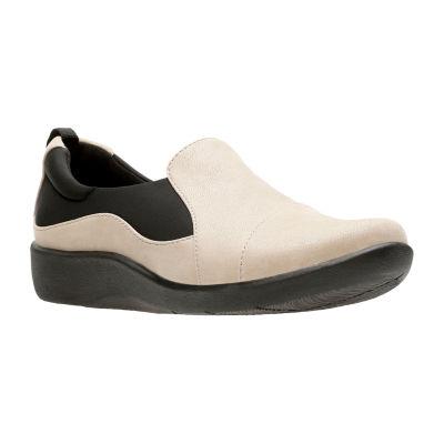 Clarks Womens Sillian Paz Round Toe Slip-On Shoe