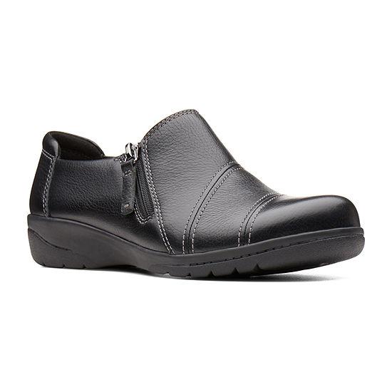 Clarks Womens Cheyn Clay Round Toe Slip On Shoe