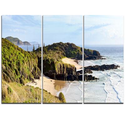 Designart Australian Coastline Crescent Head Landscape Artwork Triptych Canvas