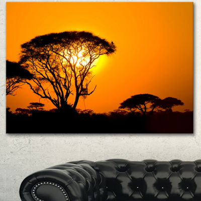 Designart Beautiful African Sunset In Savannah African Landscape Canvas Art Print
