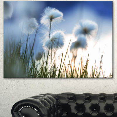 Designart Beautiful Polar White Flowers Floral Canvas Art Print - 3 Panels