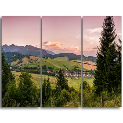 Designart Beautiful Stretch Of Land Panorama Landscape Triptych Canvas Art Print