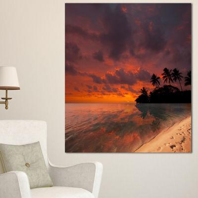 Designart Beautiful Sunset At Tropical Beach Seashore Canvas Art Print - 3 Panels
