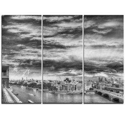 Designart Black And White Panoramic London Cityscape Triptych Canvas Print