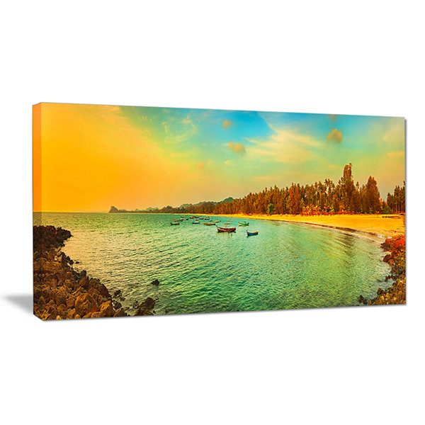 Designart Blue Tinged Indian Ocean Panorama LargeSeascape Art Canvas Print