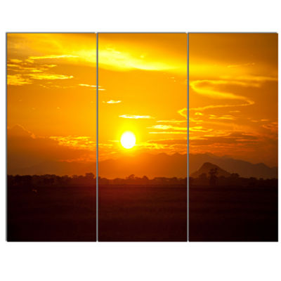 Designart Bright Yellow Sunset In Sri Lanka ExtraLarge Landscape Canvas Art - 3 Panels