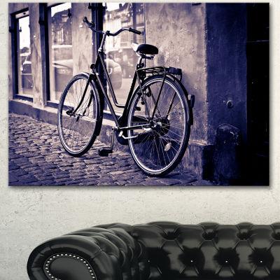 Designart Classic Vintage City Bicycle Landscape Canvas Wall Art - 3 Panels