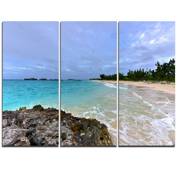 Designart Clearwater Beach Bermuda Oversized BeachTriptych Canvas Artwork
