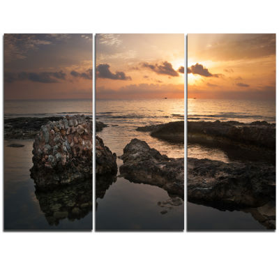 Designart Dark Africa Beach With Ancient Ruins Oversized Beach Triptych Canvas Artwork
