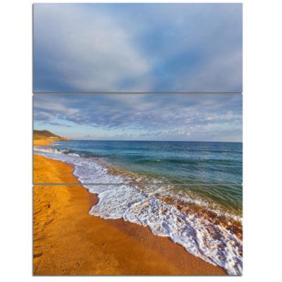 Designart Dark Beach Under Cloudy Skies Modern Beach Triptych Canvas Art Print