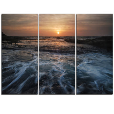 Designart Dark Seashore With Rushing Waves ModernBeach Triptych Canvas Art Print
