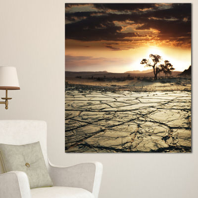 Designart Desert Gopi Cracked Drought Land AfricanLandscape Canvas Art Print - 3 Panels