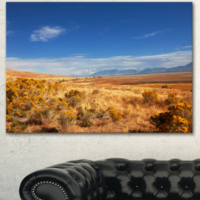Designart Expansive Prairie Under Blue Sky Landscape Canvas Art Print - 3 Panels