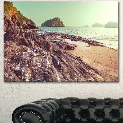 Designart Fantastic Halong Bay Vietnam Large Seashore Canvas Print
